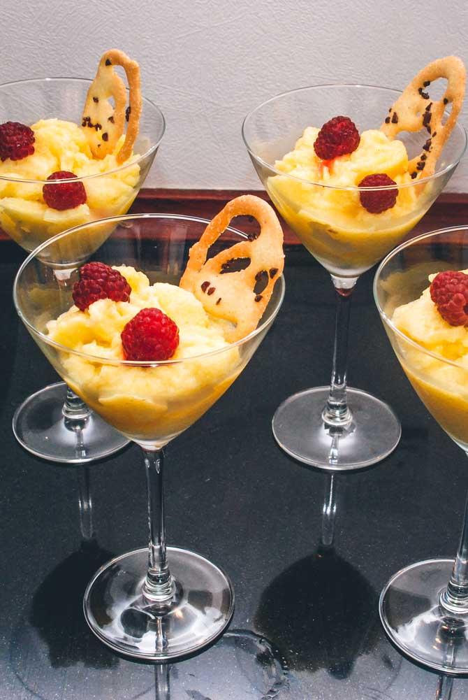 Ananas sorbet dessert fra Bageglad