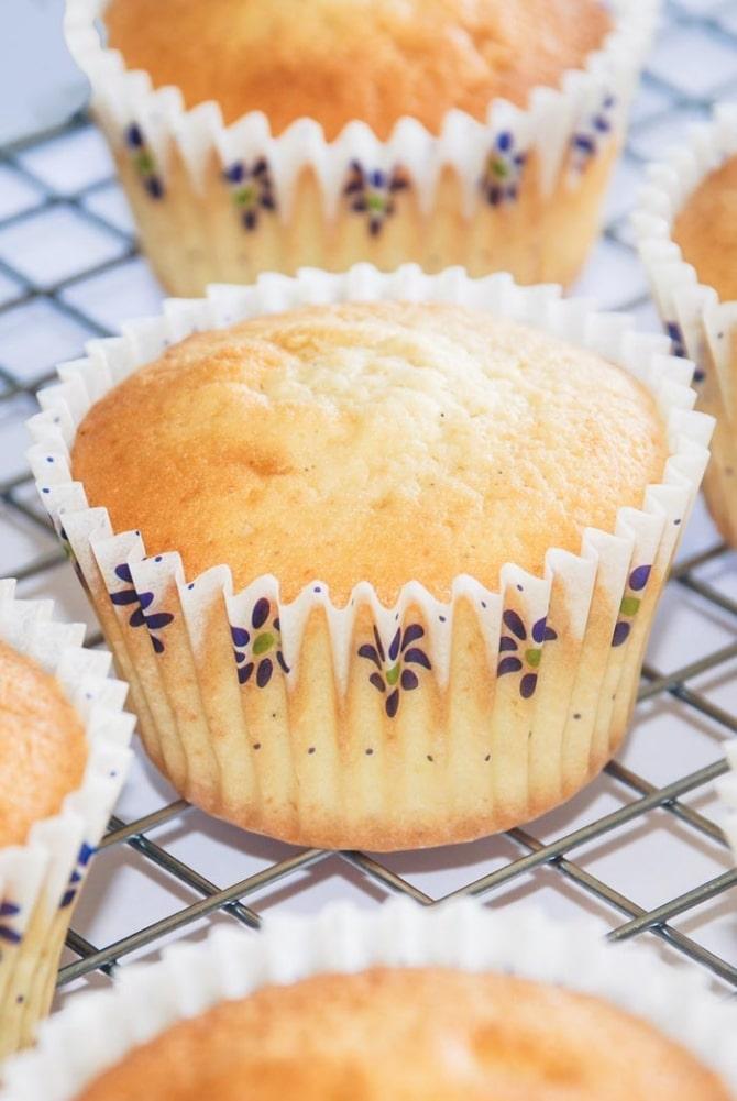 Perfekte vanille cupcakes fra Bageglad