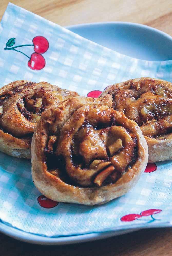 Fuldkorn kanelsnegle med æble fra Bageglad