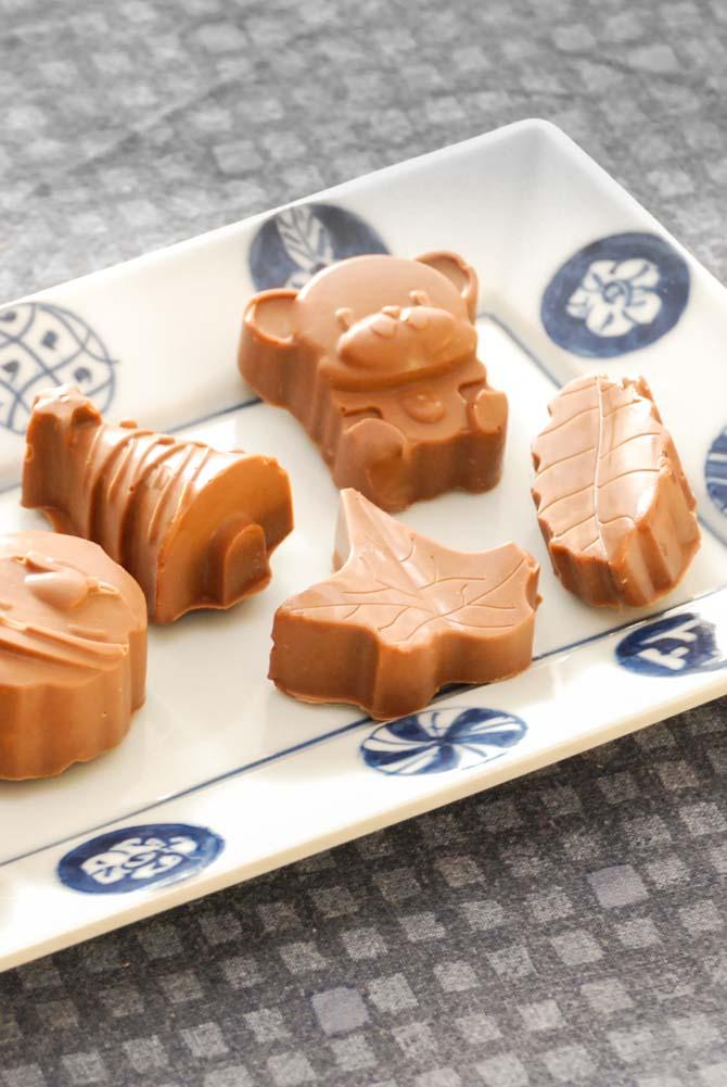 Mælkechokolade konfekt med knas