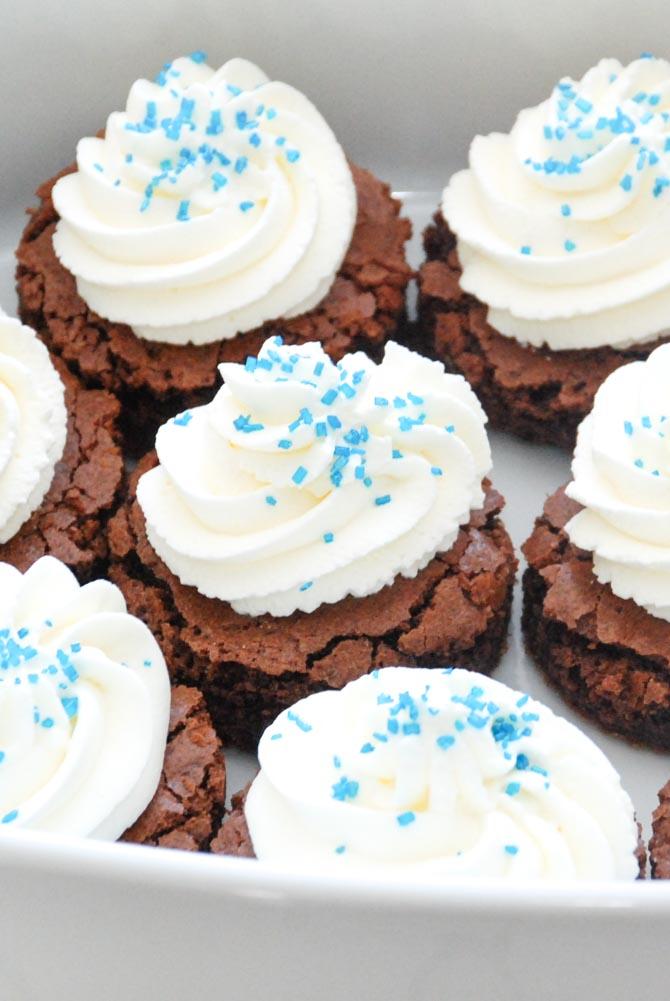 Brownies med flødeskum og krymmel
