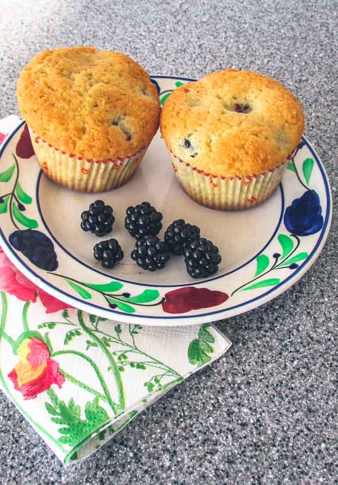 Brombær og vanille cupcakes fra Bageglad