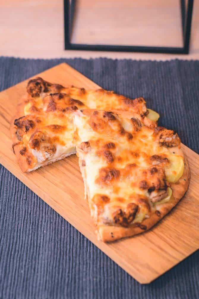 Naanbrød pizza med tandoori kylling