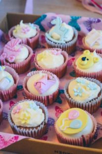 Baby shower cupcakes fra Bageglad