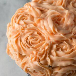 Chokoladekage med roser fra Bageglad