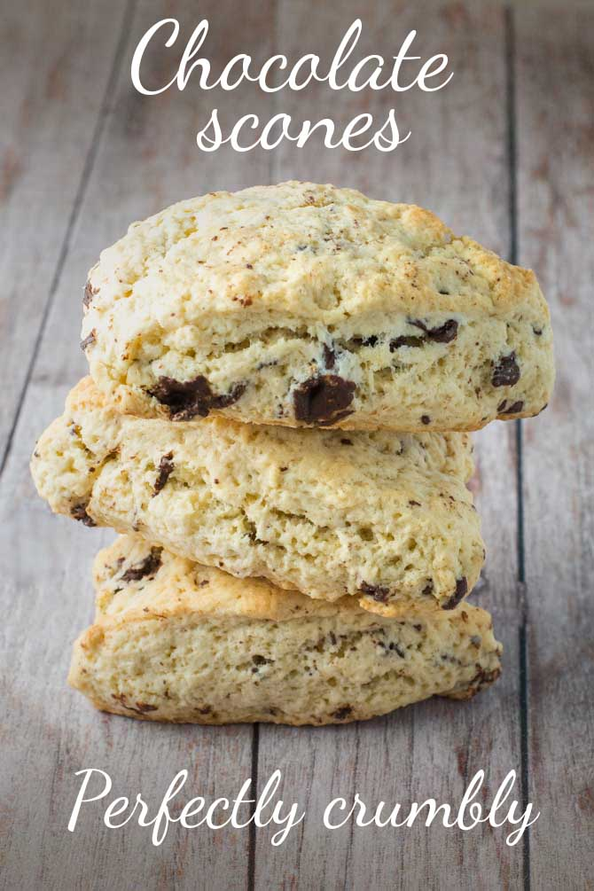 The best crumbly scones with chocolate chips