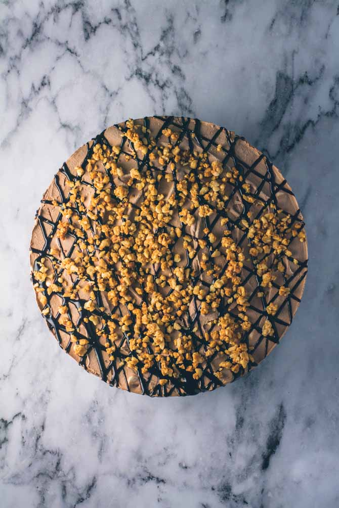 Chokolade islagkage med nødder
