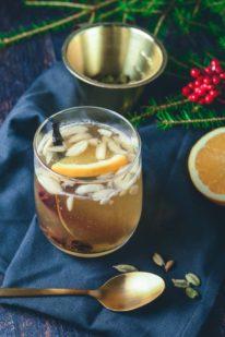 Hvid gløgg med hyldeblomst og citrus