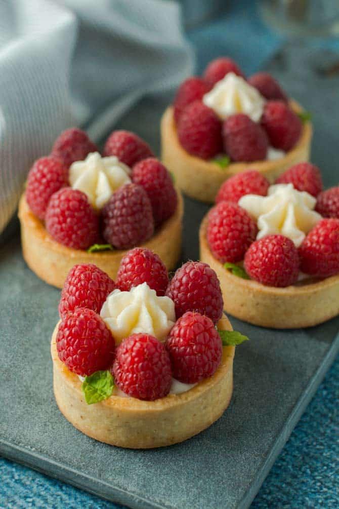 Små hindbærtærter fra Bageglad