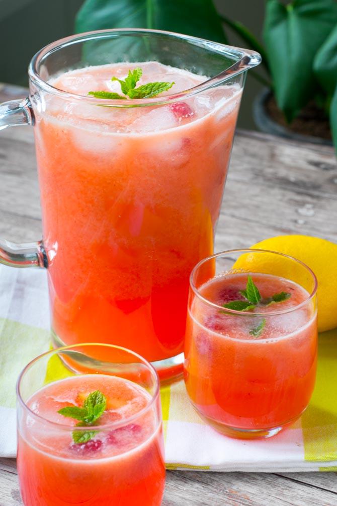 Hindbær- og fersken lemonade opskrift fra Bageglad