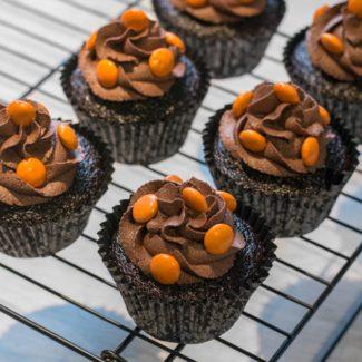 Chokolade cupcakes med M&Ms