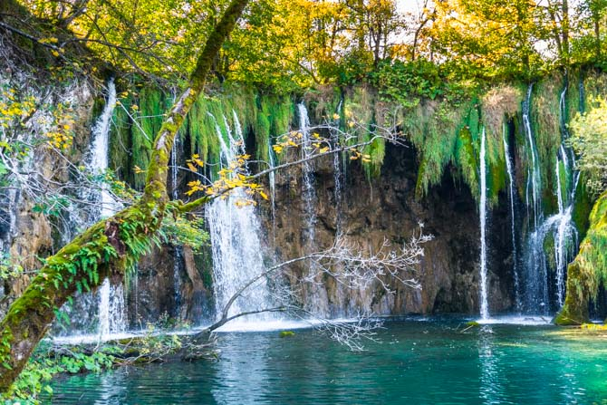 Små vandfald i Plitvice National Park