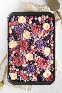 Chokoladekage med rose smørcreme