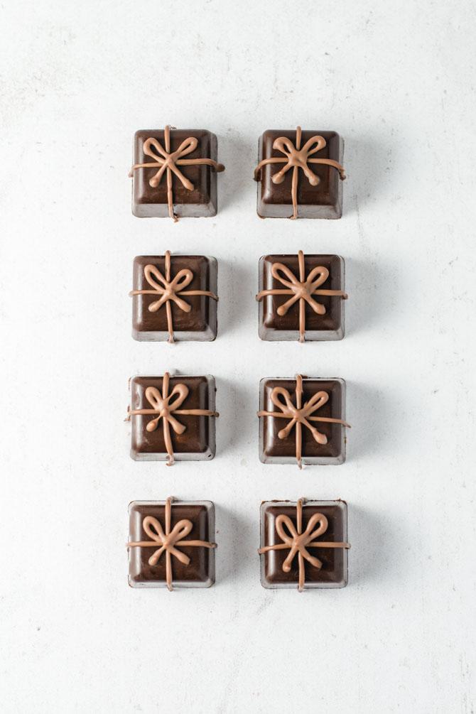 Fyldt chokolade med ruby ganache