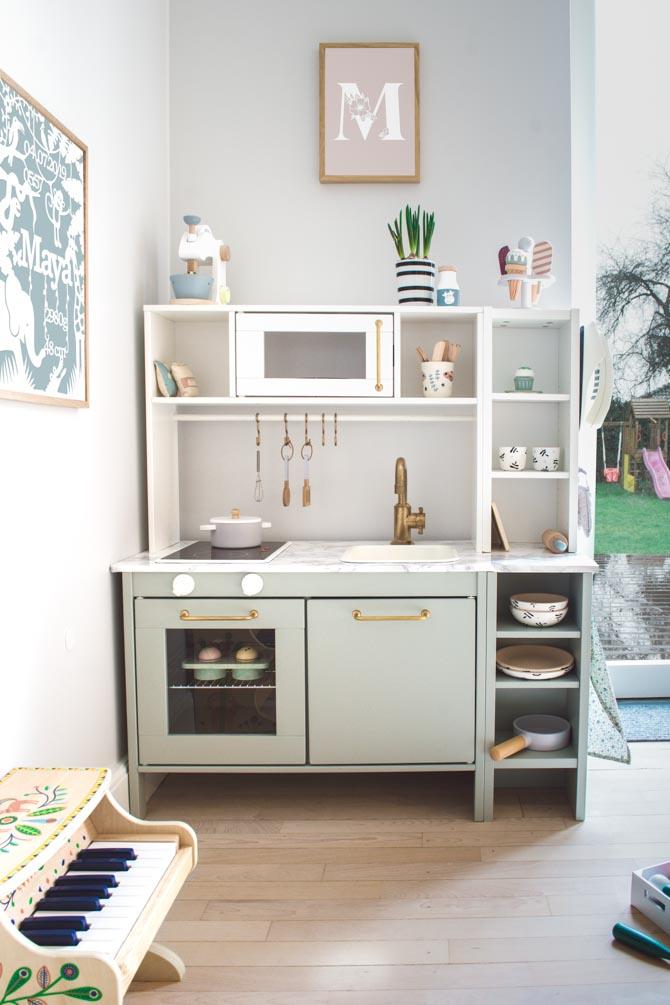 ikea-play-kitchen-storage-hack-min