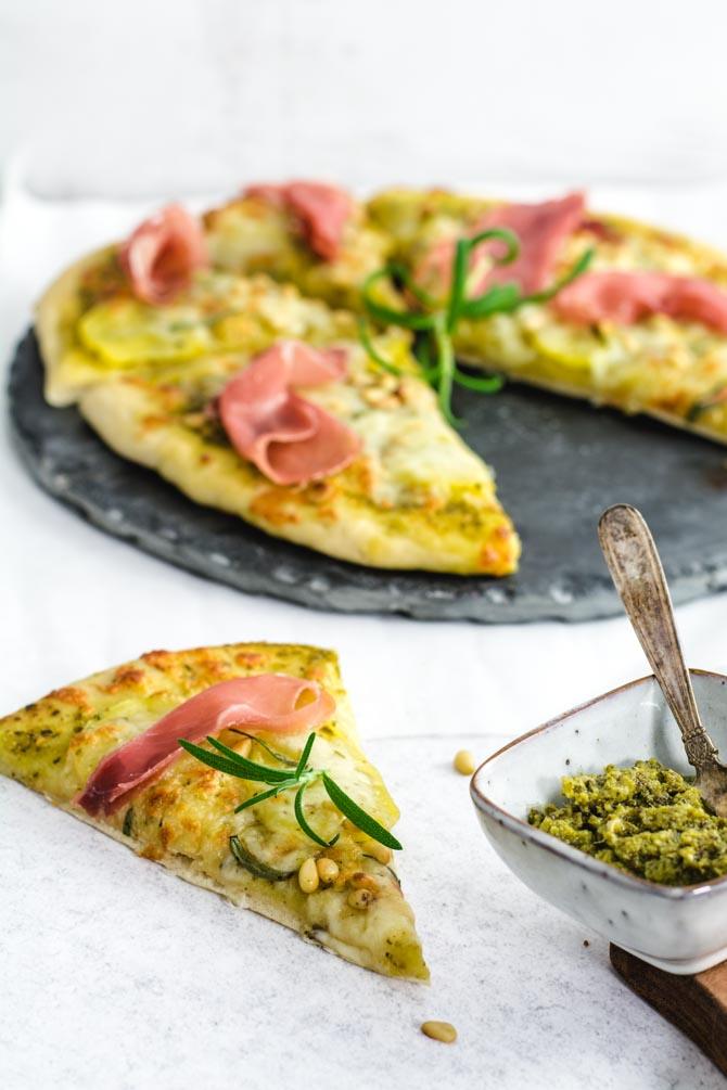 Pizza med pinjekerner