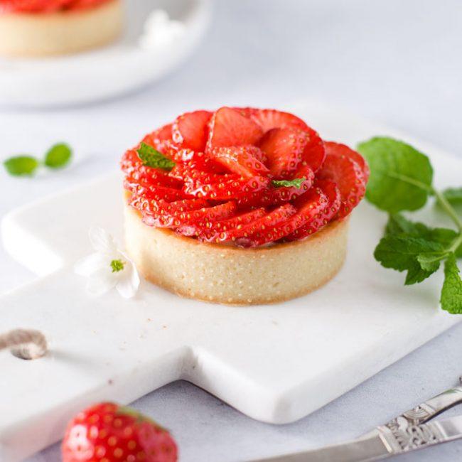 Jordbær rabarber tærte